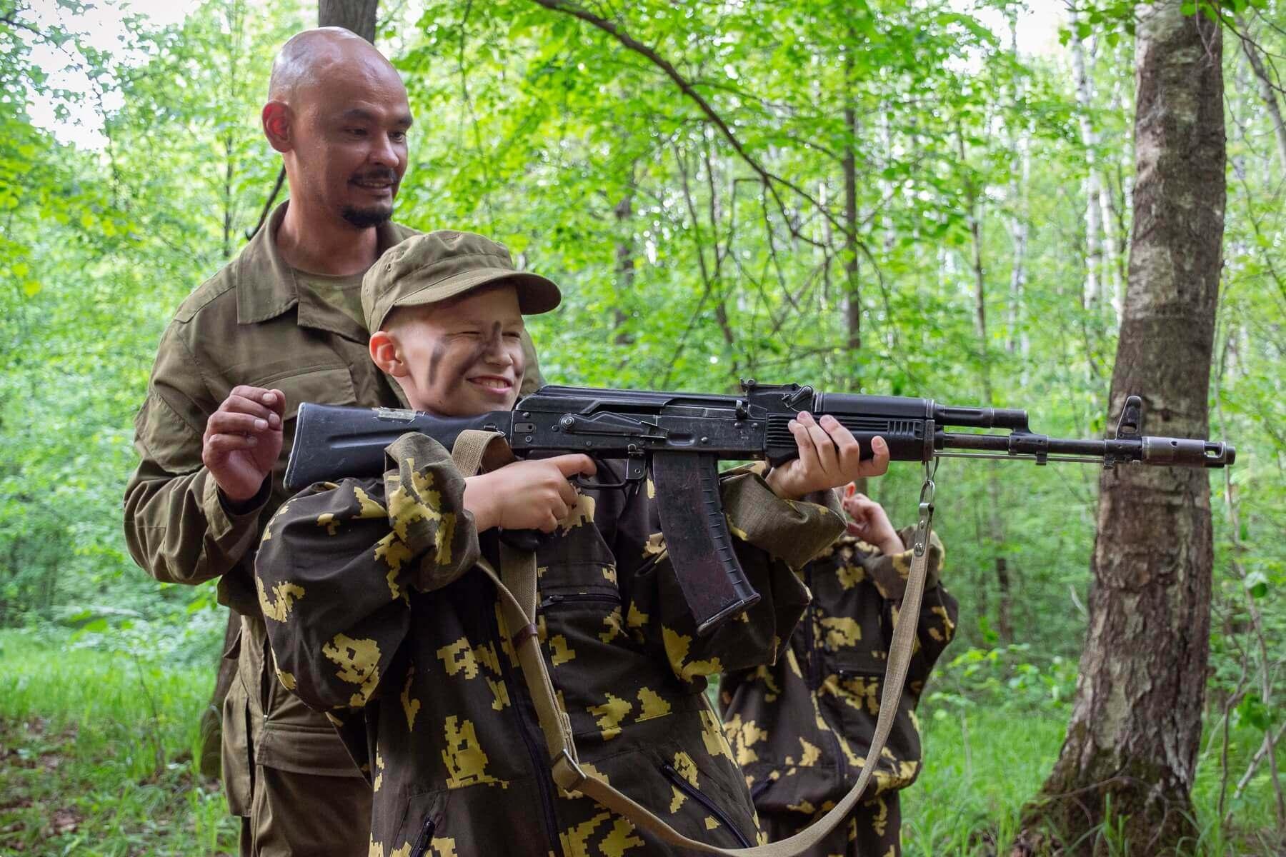 день рождения в стиле милитари, макет ак 47