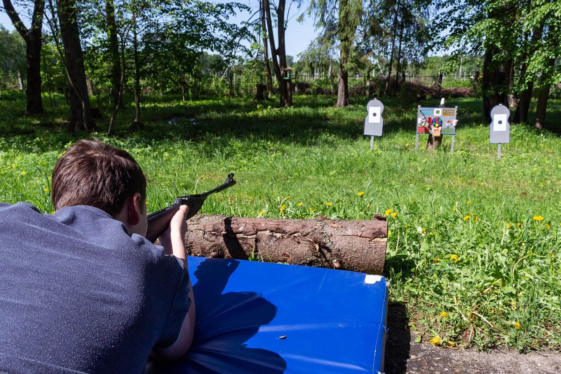 Военно-спортивная игра Зарница, стрельба из пневматики