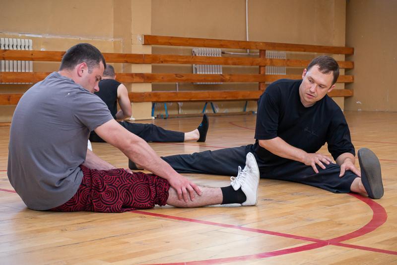 гимнастика для укрепления спины и осанки