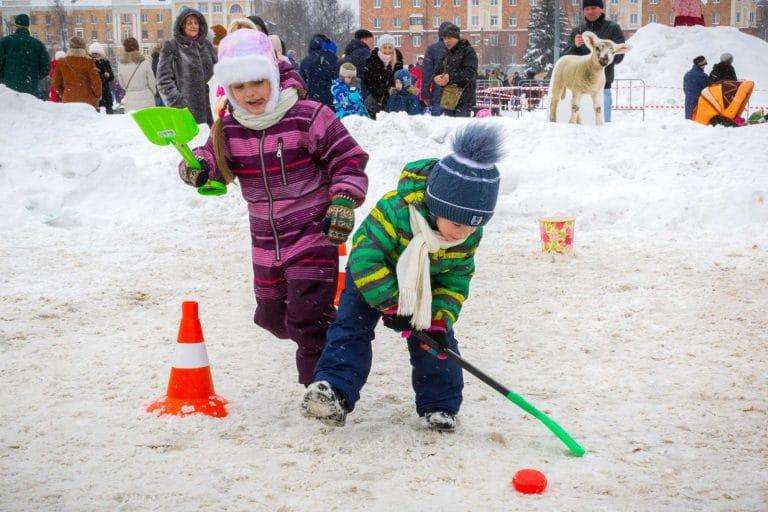зимние игры для детей на улице