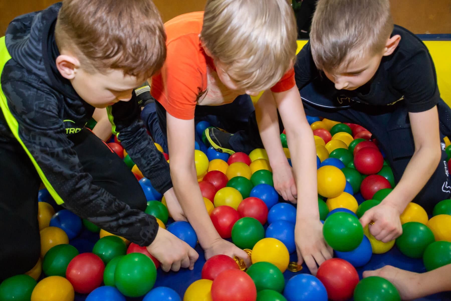 игры для детей на масленицу в школе
